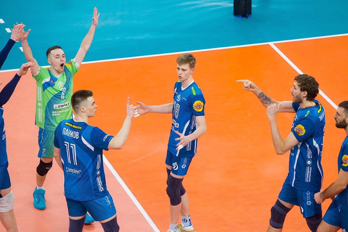 Мужской волейбольный клуб динамо москва ночной клуб анапа цены